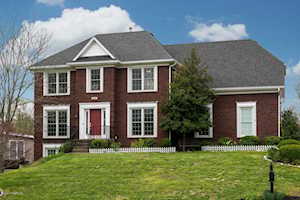 4002 Oakland Forest Ct Louisville, KY 40245