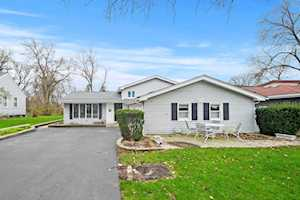9721 W 57th St Countryside, IL 60525