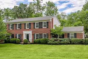 7015 Green Spring Dr Louisville, KY 40241