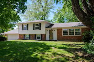 7704 Roswell Way Louisville, KY 40218
