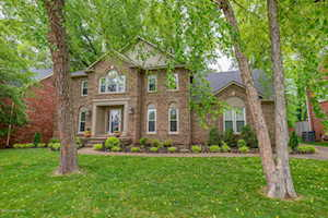 1113 Holly Springs Dr Louisville, KY 40242