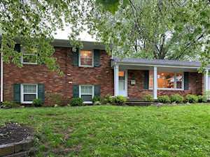 1106 Gainesway Drive Lexington, KY 40517