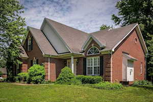 3226 S Winchester Acres Rd Louisville, KY 40223