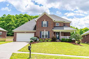 9005 Crescent View Ct Louisville, KY 40272
