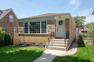 8220 N Oleander Ave Niles, IL 60714