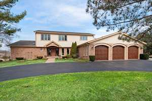 4116 Three Lakes Dr Long Grove, IL 60047
