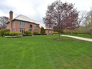 650 Newcastle Dr Lake Forest, IL 60045