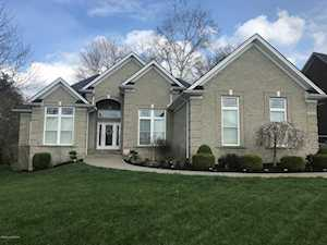 905 Willow Pointe Dr Louisville, KY 40299