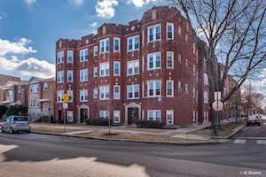 4859 W Roscoe St #1 Chicago, IL 60641