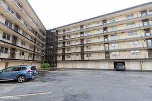 4572 N Milwaukee Ave #5D Chicago, IL 60630