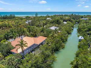 6418 Pine Ave Sanibel, FL 33957