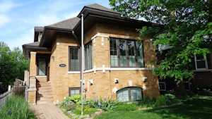 4159 N Dickinson Ave Chicago, IL 60641