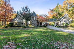 1640 Timber Woods Ln Libertyville, IL 60048