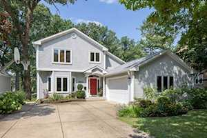 4902 Wallbank Ave Downers Grove, IL 60515