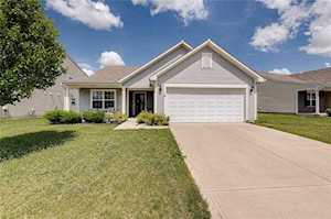 4941 Greenside Drive Indianapolis, IN 46235