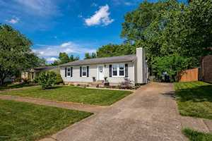 6633 Ashbrooke Dr Pewee Valley, KY 40056