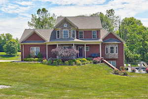 22 Winding Ct Fisherville, KY 40023