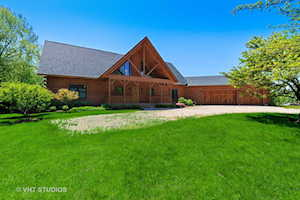 33030 N River Rd Libertyville, IL 60048