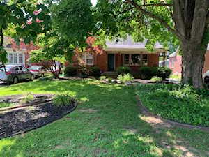 216 Marshall Dr Louisville, KY 40207