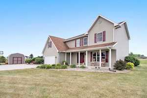 28570 County Road 42 Road Wakarusa, IN 46573