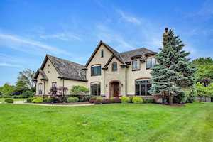 1421 Vineyard Ln Libertyville, IL 60048