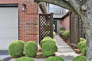 4117 Hartwick Village Pl Louisville, KY 40241