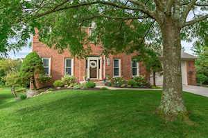 4513 Meadowbridge Lexington, KY 40515