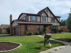 3010 S Lynn Ct Mount Prospect, IL 60056