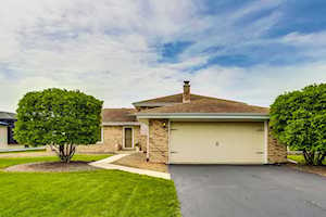 11631 Pineview Dr Orland Park, IL 60467