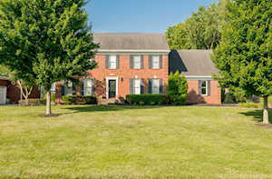 77 Persimmon Ridge Dr Louisville, KY 40245