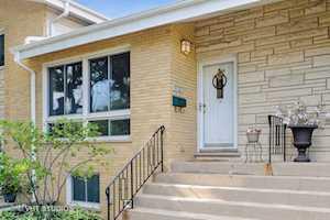 1529 N Arlington Heights Rd #B Arlington Heights, IL 60004