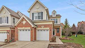 5 Winged Foot Dr Hawthorn Woods, IL 60047