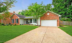 302 Blue Ridge Rd Louisville, KY 40223