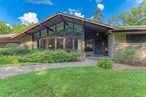 15 Wood Creek Rd Barrington, IL 60010