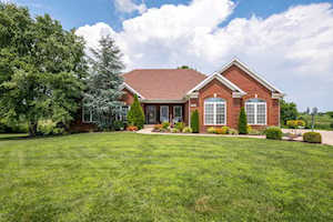 77 Madison Ct Fisherville, KY 40023