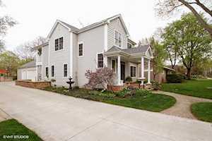 735 S Grove Ave Barrington, IL 60010