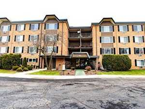 1227 S Old Wilke Rd #12-209 Arlington Heights, IL 60005