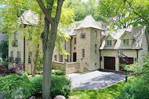 136 Tudor Place Kenilworth, IL 60043