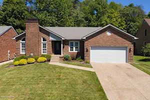 4019 Saratoga Woods Dr Louisville, KY 40299