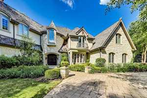 360 Belle Foret Dr Lake Bluff, IL 60044