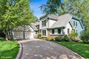 632 Academy Woods Dr Lake Forest, IL 60045