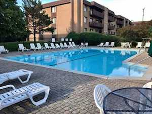 1795 Lake Cook Rd #306 Highland Park, IL 60035