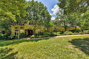 110 Woodview CT West Lake Hills, TX 78746