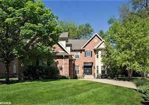 940 S Scarsdale Ct Arlington Heights, IL 60005