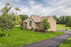 3200 Lake Pointe Ct Crestwood, KY 40014