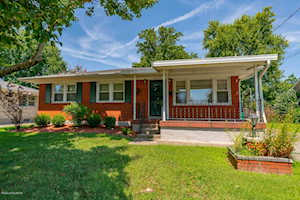 3611 Twin Oak Ln Louisville, KY 40219