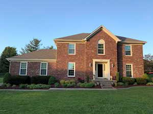 8207 Brookhollow Ct Louisville, KY 40220