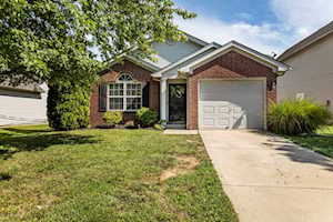 6917 Woodhaven Place Dr Louisville, KY 40228