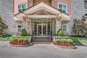 1409 Mockingbird Terrace Dr #405 Louisville, KY 40207