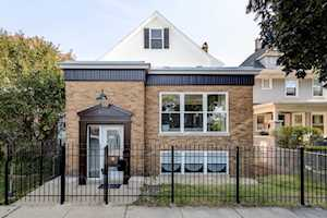 4868 W Warner Ave Chicago, IL 60641